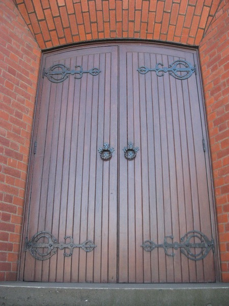 124816 Presbyterian Church Malvern front doors 2010