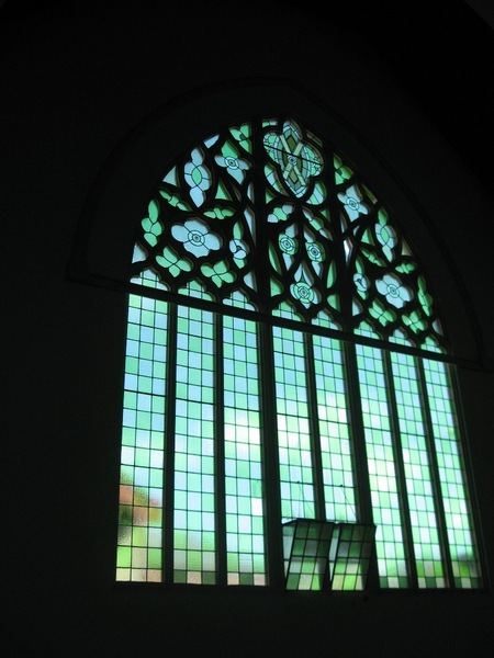 124816 Presbyterian Church Malvern nave window 2010