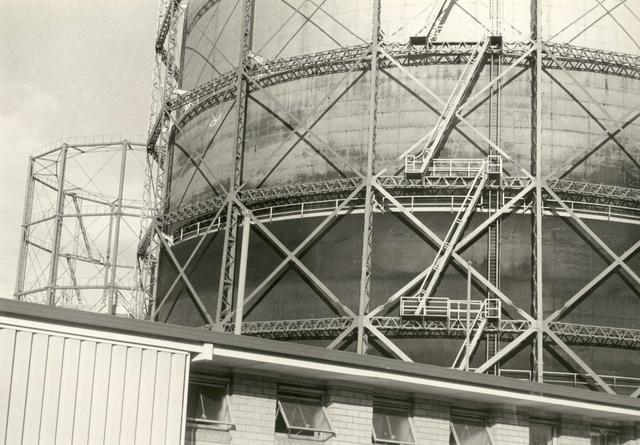 former gasometer alexandra parade 1975.jpg