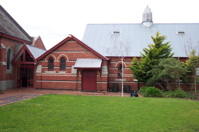 Macpherson St at McIlwraith church_6588.JPG