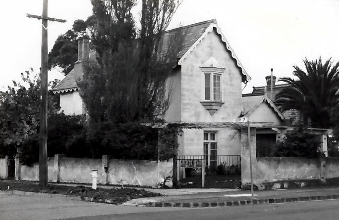 B4557 Whitby House