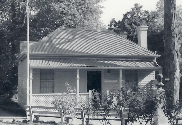 B1359 Adam Lindsay Gordon's Cottage Ballarat