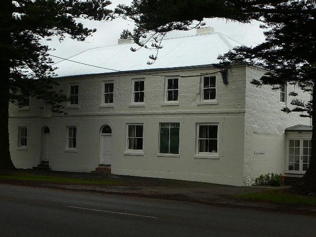 B0961 Douglas House