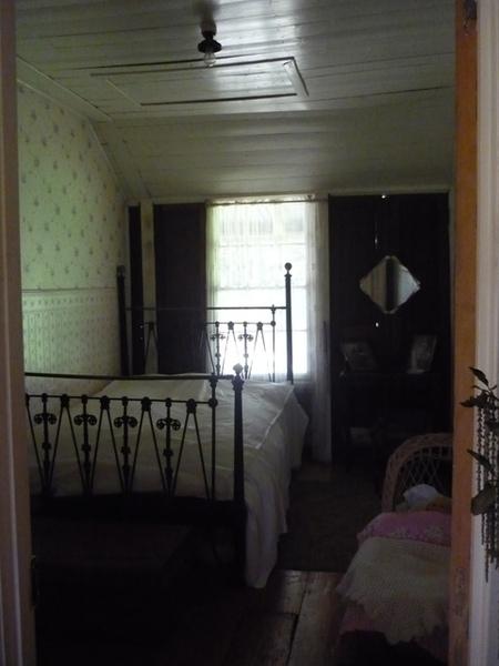 4334_Seymour_Cottage_Romsey_HV_29_September_2010_