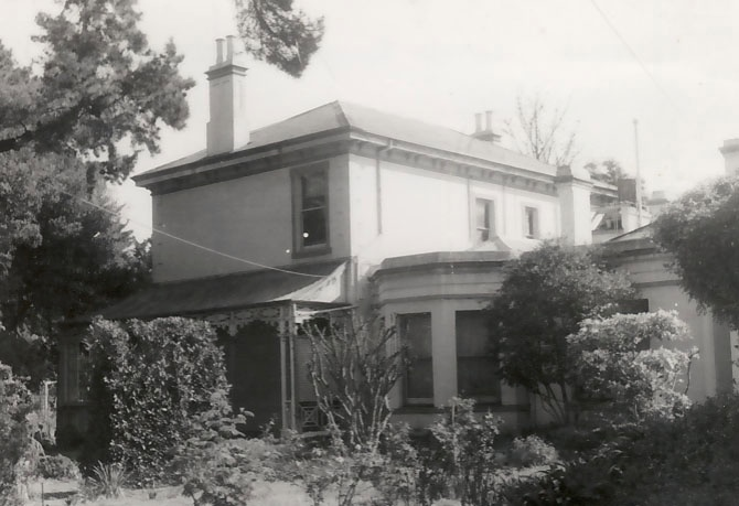 B1347 Rosebank Latrobe Tce South Geelong