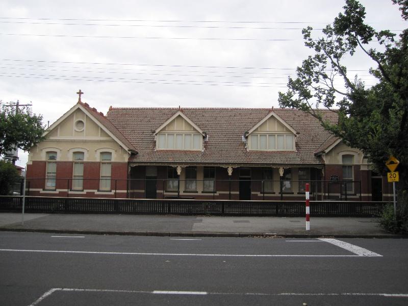 105 Wellington Street (2).JPG