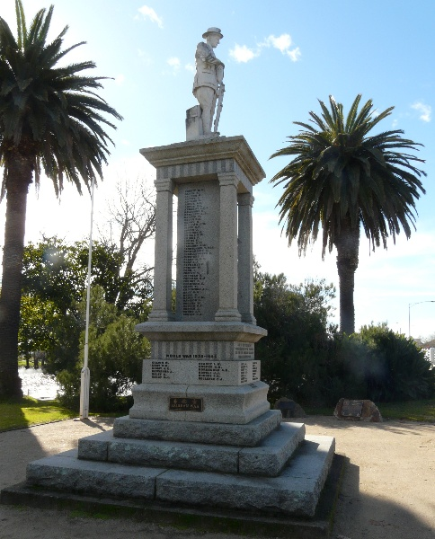 Benalla War Memorial.jpg