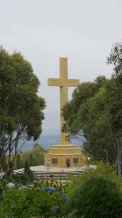 Mt Macedon Memorial Cross 2.jpg