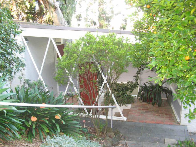 Snelleman House entrance porch