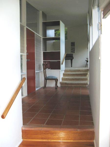 Snelleman House entrance foyer