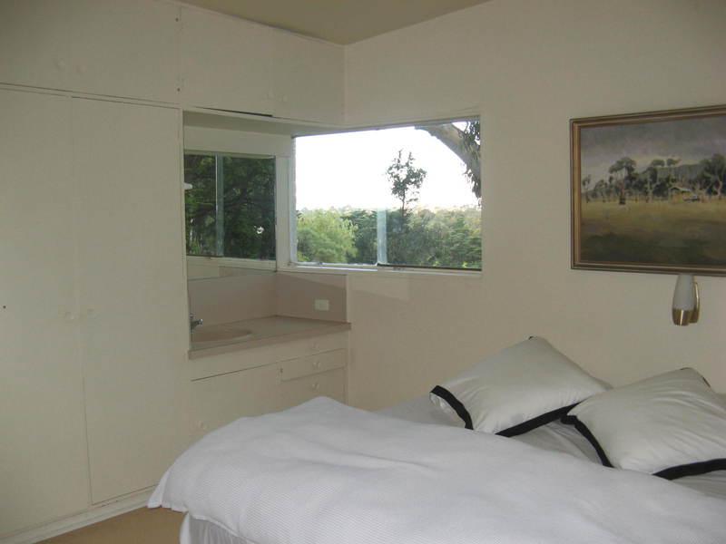 Snelleman House main bedroom