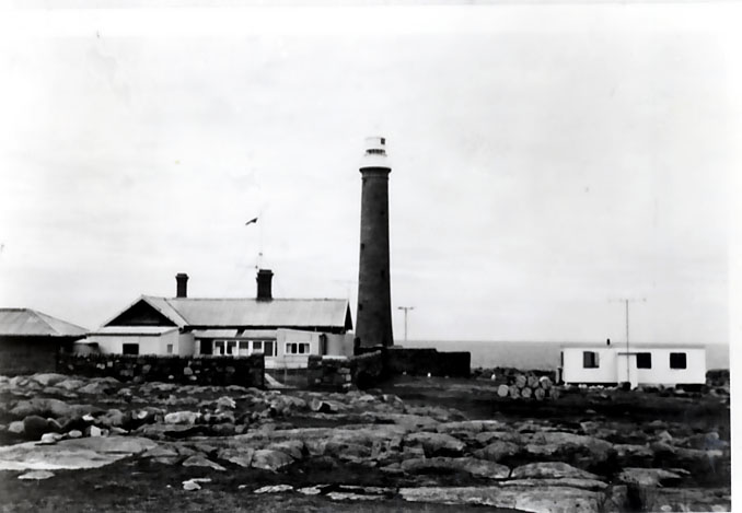 B2486 Gabo Island Lighthouse Group