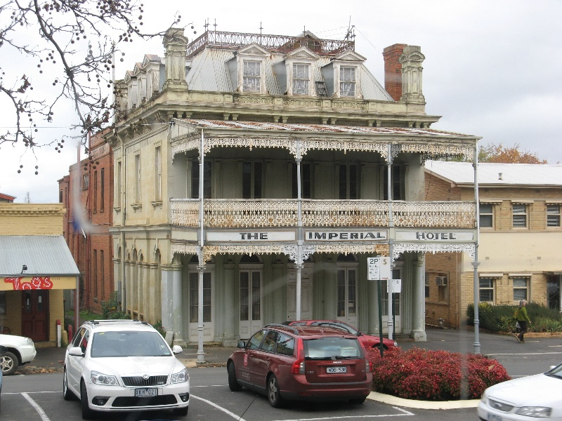 Imperial Hotel Castlemaine 25 May 2011.jpg