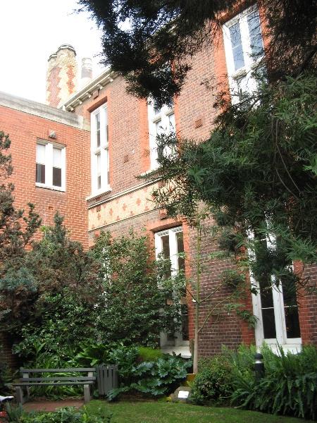 Alfred Hospital Aug 26 2011 KJ east side.jpg