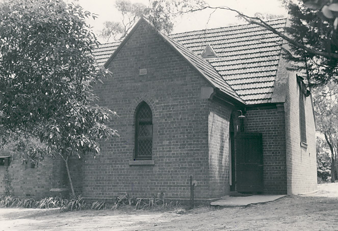 B1648 St Stephen's Anglican Church Mount Waverley