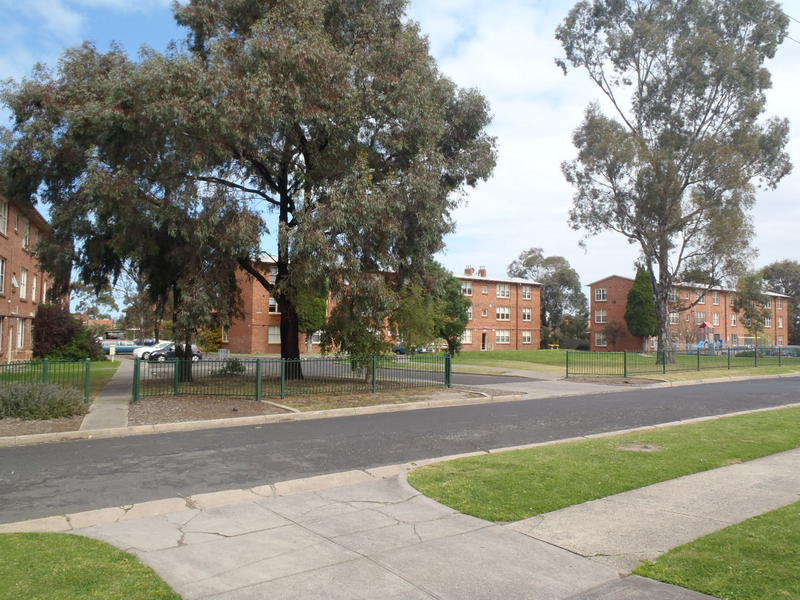 Newlands Estate Coburg North(12).JPG