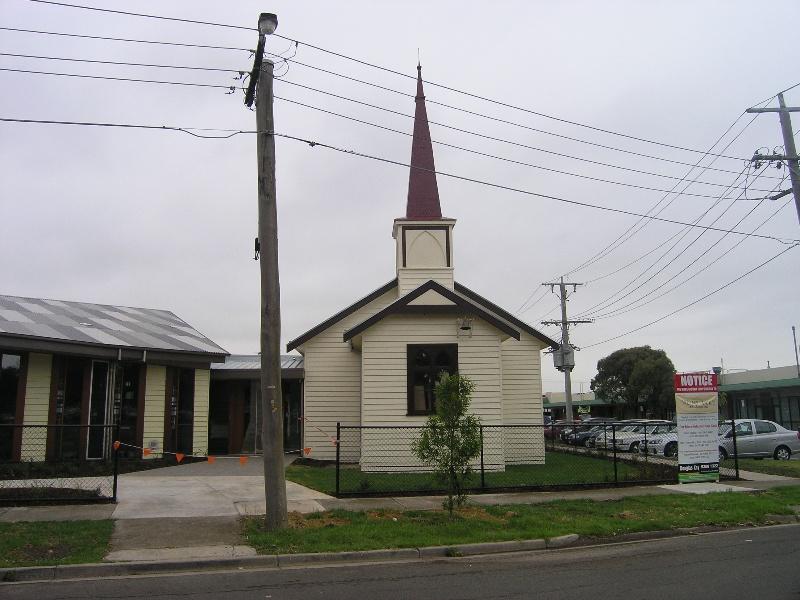 HO99 St Albans Unting Church 4.JPG