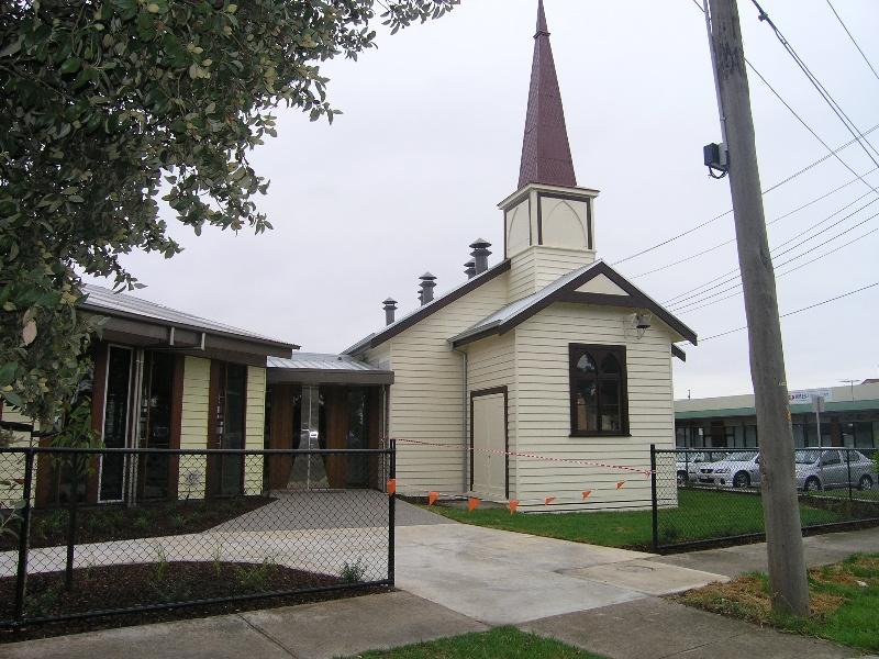 HO99 St Albans Unting Church 5.JPG