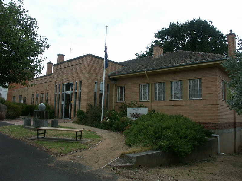 Former Shire of Grenville Offices & War Memorial