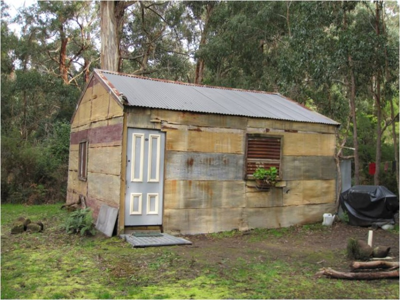 14228_Great Ocean Road Kennett River Hut August 2010 b.jpg