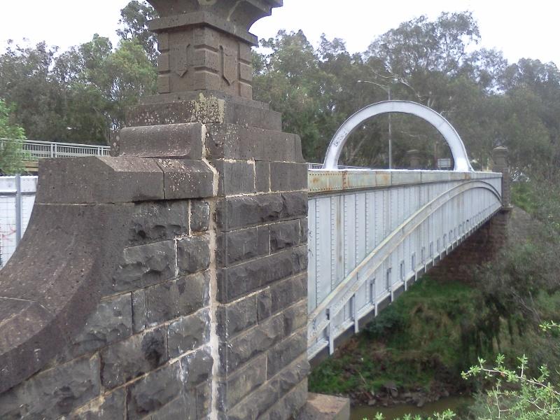 B1836 Iron Bridge Keilor 2012