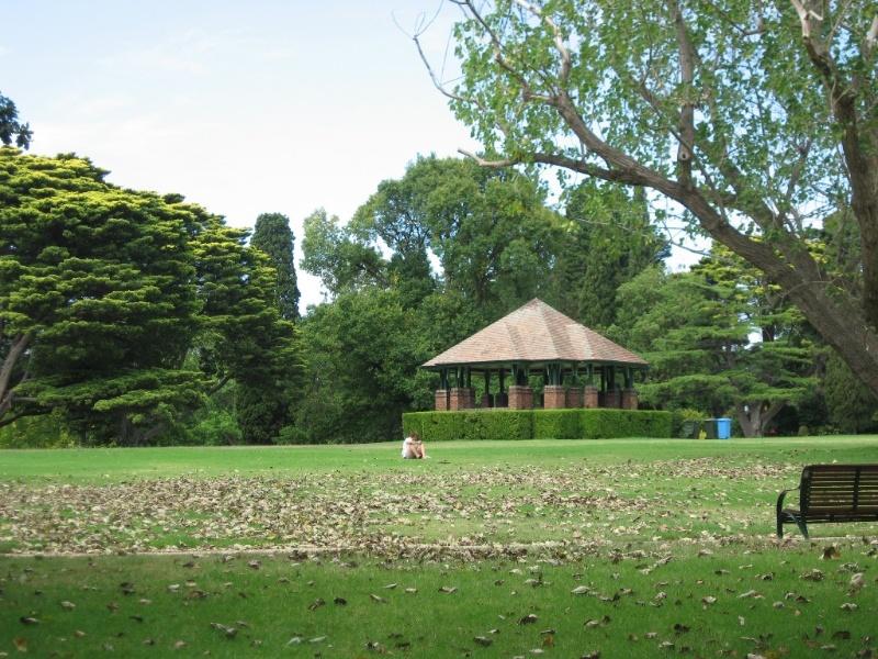 Domain Stapely Pavilion.JPG