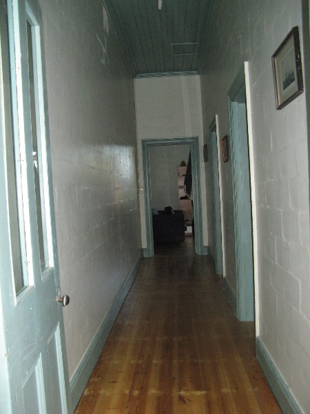 Foster_Building_Maffra_KJ_Apr_2012_first floor no 71