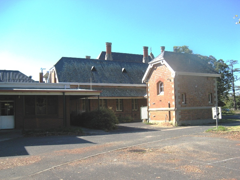 Bairnsdale Hospital view from south of contagious diseases and south wing rear