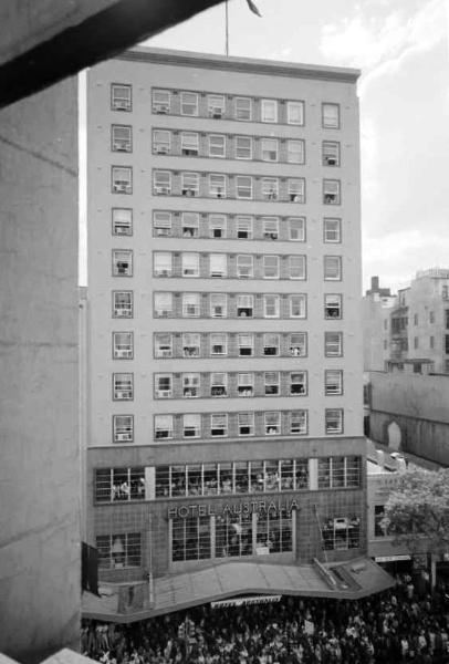 B5883 Australia Hotel
