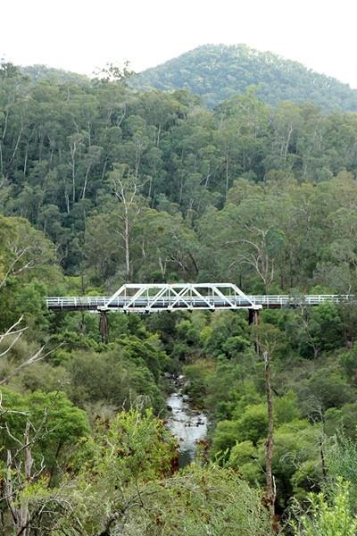 Murrindal River Bridge picturesque.jpg