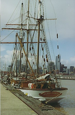 B4951 Alma Doepel 2 Victoria Harbour Docklands