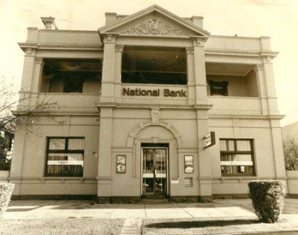 B4930 National Bank
