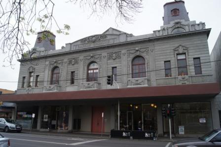 B6120 Barkly Theatre