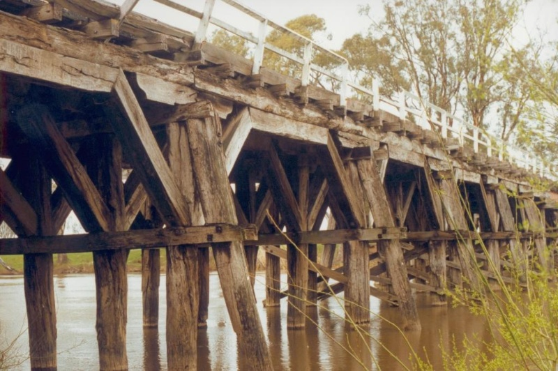 Chinamans Bridge Nagambie piers