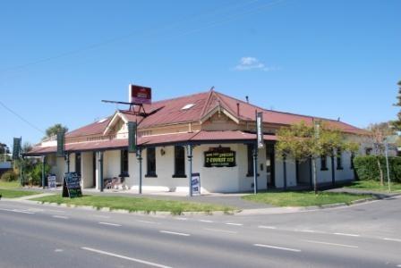 B2961 Suburban Hotel (Former)