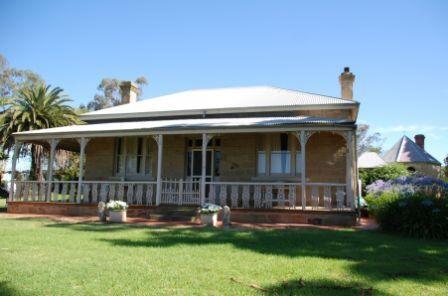 B2397 Adelaide Vale Homestead & Outbuildings