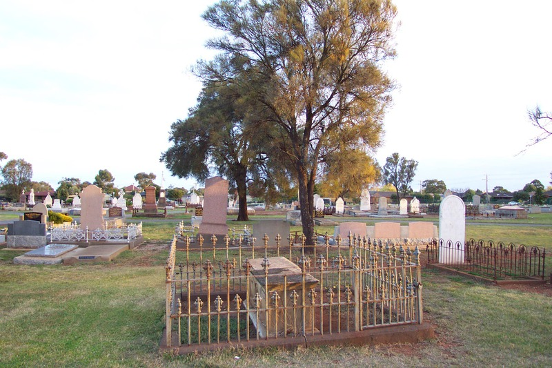 Old iron fences and headstones (this may be the Westlake tombstone described by Crisp)