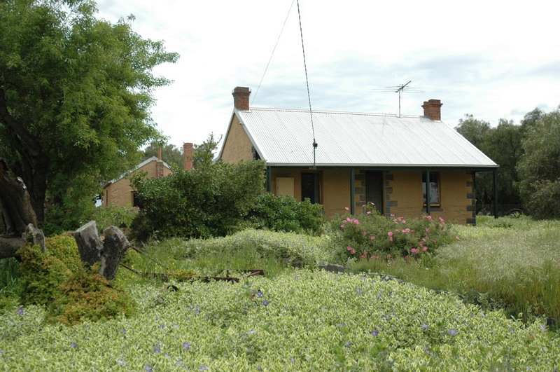 Cottage - 85 Curletts Road, Lara