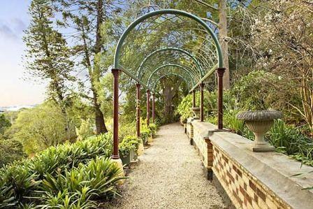 B3774 Yarroma House & Garden