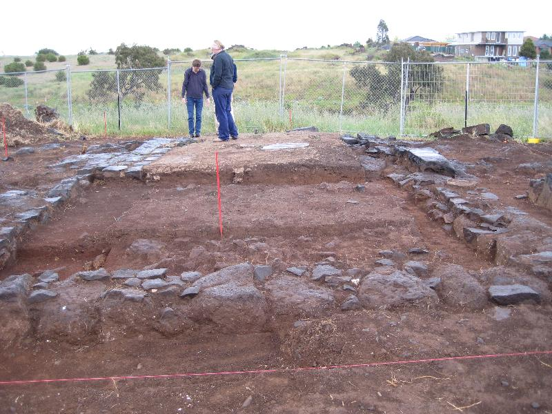Drovers Hut site visit 22/10/13 - Archaeologist - Barry Green. HV - J. Smith and M. Miller
