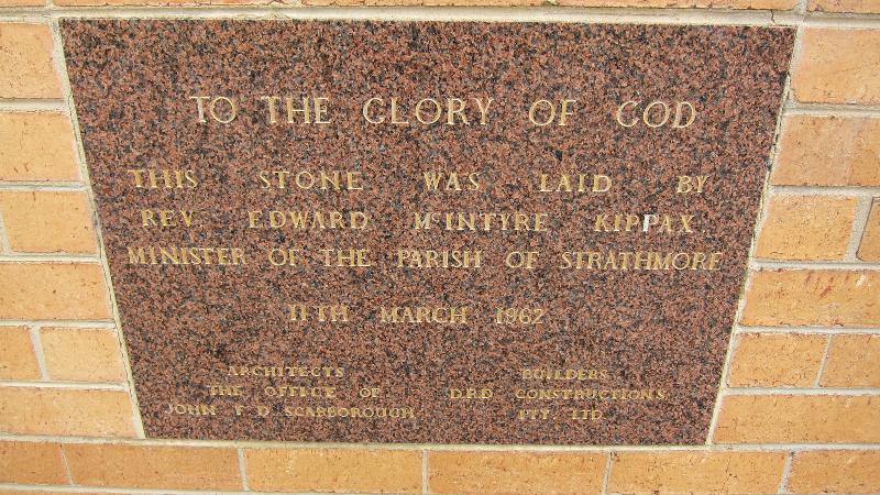 15-19 The Crossway, Strathmore