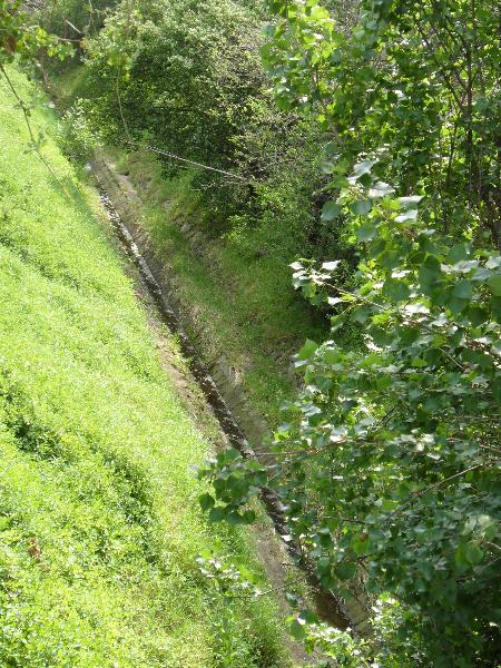 Pascoe Vale Rd creek bed.JPG