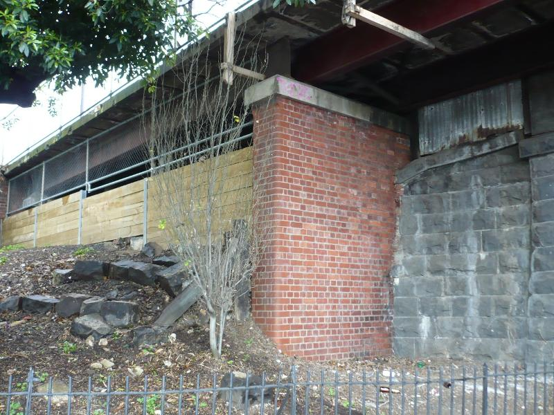 Racecourse Road Bluestone bridge abutment west side
