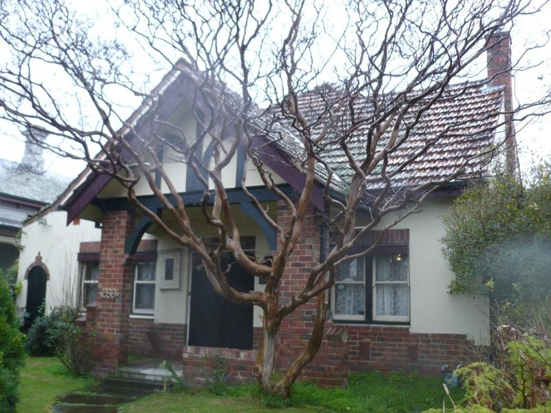 House and front fence 260 Ascot Vale Road