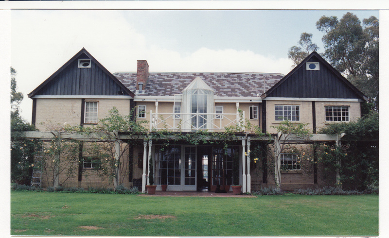 Jelbart Residential Complex 93 Arthur St Colour 2 - Shire of Eltham Heritage Study 1992