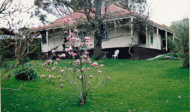 House and Planting Cott Bridge Strath Rd Colour 1 - Shire of Eltham Heritage Study 1992