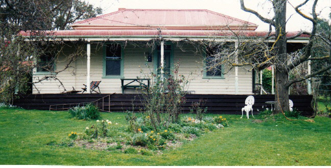 House and Planting Cott Bridge Strath Rd Colour 4 - Shire of Eltham Heritage Study 1992