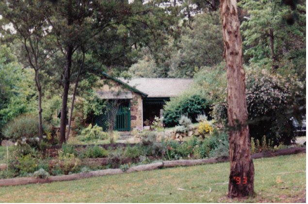 Florries Cottage 28 30 Diamond St Colour 1 - Shire of Eltham Heritage Study 1992