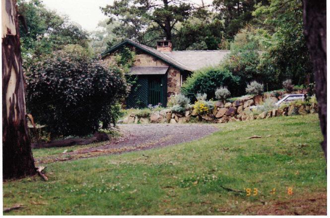 Florries Cottage 28 30 Diamond St Colour 2 - Shire of Eltham Heritage Study 1992