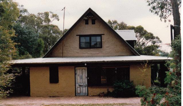 Adobe residence and Batemans Studio 57 Dodd St Colour 4 - Shire of Eltham Heritage Study 1992